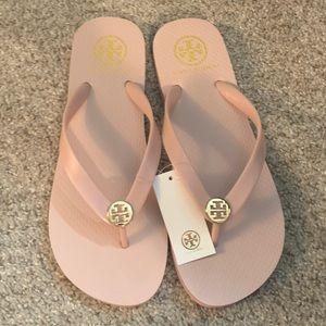 """NWT"" Tory Burch Flip Flops size 8 Seashell Pink"